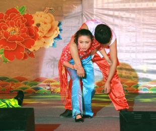 院文艺队——当代舞《高粱红了》